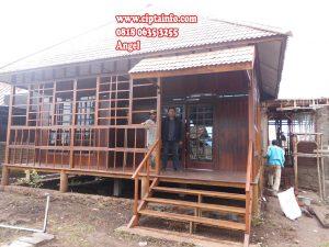 renov rumah kayu di dobo